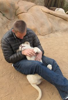 Paul Walker snuggle with a cub