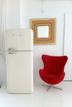 Smeg.....I want this in my new kitchen maybe in black!