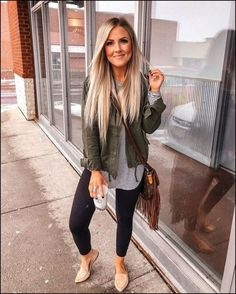 Chic and casual outfits 2019 charming, spring summer outfits ideas nice gorgeous teen fashion outfits Cute Fall Outfits, Fall Winter Outfits, Stylish Outfits, Autumn Winter Fashion, Summer Outfits, Casual Spring Outfits, Casual Outfits For Moms, Autumn Leggings Outfits, Stylish Clothes