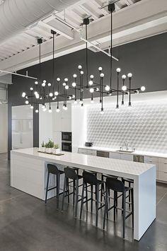 Modern Kitchen Interior Remodeling 10 Kitchen Backsplash Ideas to Consider ASAP Home Decor Kitchen, Interior Design Kitchen, Modern Interior Design, New Kitchen, Home Kitchens, Kitchen Ideas, Kitchen White, Modern Interiors, Kitchen Paint