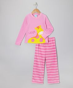 Fleecy soft and embellished with a critter appliqué, this set will have little cubs looking cute and feeling cozy when dozing into dreams at a zzzzzzzzoo in la-la land. An elastic waistband makes the pants extra comfy during dreamy adventures.