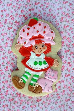 Vintage Strawberry Shortcake, please. Not a fan of the newer version Cookies For Kids, Fancy Cookies, Kinds Of Cookies, Cute Cookies, Roll Cookies, Cupcakes, Cupcake Cookies, Sugar Cookies, Strawberry Shortcake Cookies