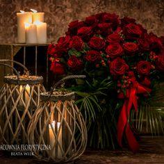 bukiet czerwone róże świece długie czerwone róże z róż