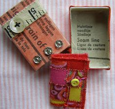 MATCHBOX - Mini sewing box decorated with vintage patterns & notions. inside is a miniature patchwork needlecase Matchbox Crafts, Matchbox Art, Altered Tins, Needle Book, Needle Case, Handmade Books, Handmade Notebook, Sewing Box, Little Boxes