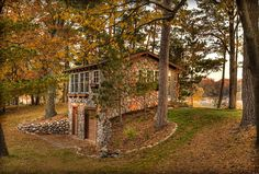 This is the guest house.  I'd be happy here full time.