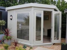 The Studio Corner Pent is available in four sizes and has a wide variety of features as standard. This summerhouse is part of the Traditional Range by The Malvern Collection. Garden Lodge, Garden Cabins, Garden Bar, Garden Studio, Garden Office, Garden Ideas, Corner Summer House, Summer House Garden, Home And Garden