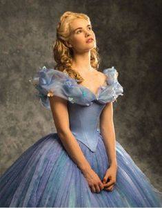 Lily James Starring as Cinderella 🦋 Cinderella Live Action, Cinderella Movie, Cinderella 2015, Cinderella Dresses, Disney Dresses, Lily James, Cinderella Cosplay, Disney Cosplay, Cinderella Hairstyle