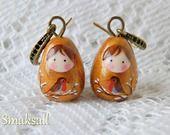 """Boucles """"poupées russes"""" doré Couple de Rouge-gorge : Boucles d'oreille par smaksall"""