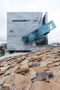 El Perot Museum of NatureScience del arquitecto Thom Mayne