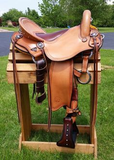Renegade endurance saddle in oak, with black accents!!  Custom built saddles, fit to you and your horse!  Allegany Mountain Trail Saddles! #trailsaddle #endurancesaddle #customsaddle