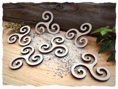 Triskelen aus Holz