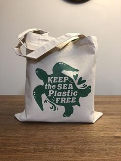 Reusable Shopping Tote - Shopping Bag - Canvas Tote - Eco Friendly - Tote Bag - Grocery Bag - Sea Turtle - Keep the Sea Plastic Free Funny Throw Pillows, Alternative To Plastic Bags, Bag Display, Printed Bags, Reusable Bags, Shopping Bag, Purses And Bags, Christian Dior, Tote Bags