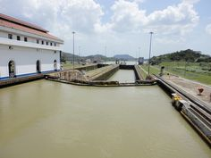 CANAL DE PANAMA, ESCLUSAS DE MIRAFLORES, PANAMA by romagues, via Flickr