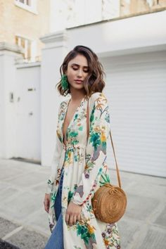 22 Beautiful Outfits With Round Bags glamhere.com