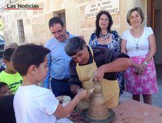 Priego rememora su tradición alfarera en  unas jornadas con los pequeños como protagonistas. #alfarería