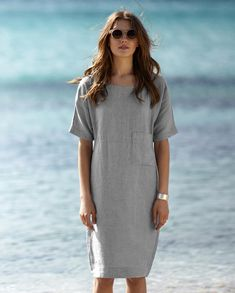 Explore the latest collection of Linen Dresses Modern in different colors and styles which simply defines your look and gives you a better fashion statement. Backless Maxi Dresses, Linen Dresses, Sexy Dresses, Casual Dresses, Short Beach Dresses, Short Sleeve Dresses, Clothes For Summer, Designer Dresses, Womens Fashion
