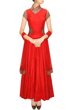 Ridhima Bhasin presents Red zari embroidered anarkali setavailable only at Pernia's Pop-Up Shop. Silk Anarkali Suits, Red Lehenga, Bridal Lehenga, Indian Attire, Indian Ethnic Wear, Indian Dresses, Indian Outfits, Desi Clothes, Indian Clothes