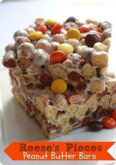 The Recipe Critic: Reese's Pieces Peanut Butter Bars. Neat snack for fall! Rice Crispy Treats, Krispie Treats, Yummy Treats, Sweet Treats, Just Desserts, Delicious Desserts, Dessert Recipes, Yummy Food, Cereal Recipes