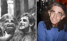 Peter Mayhew as Chewbacca, 1977 & 2015 Peter Mayhew, Jake Lloyd, Film Star Wars, Star Wars Cast, Liam Neeson, Mark Hamill, Harrison Ford, Chewbacca, Obi Wan