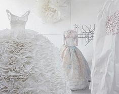 paper dresses to die for....@Gabriela L. De Paepe Brimble and @Natasha S S will agree I think