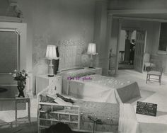 Auntie Mame movie set