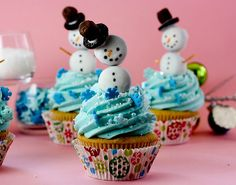 13 Snowmen Sweets Guaranteed to Melt Your Heart Snowman Christmas Cupcakes