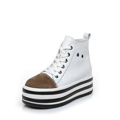 Lace Up Oxford Loafers for Women Thick Bottom Style Brogues Patent Leather Loafers For Women, Brogues, Converse Chuck Taylor, Patent Leather, Trainers, High Top Sneakers, Oxford, Lace Up, Socks