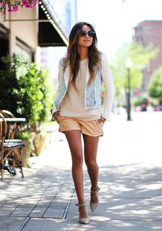 Nude by sincerely, jules outfits i love s/s уличная мода, женская мода, сти Spring Street Style, Street Style Looks, Street Chic, Spring Summer Fashion, Spring Style, Summer Outfits, Cute Outfits, Summer Shorts, Look Short
