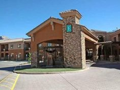 Tucson (AZ) Embassy Suites Tucson - Paloma Village Hotel United States, North America The 3-star Embassy Suites Tucson - Paloma Village Hotel offers comfort and convenience whether you're on business or holiday in Tucson (AZ). Featuring a complete list of amenities, guests will find their stay at the property a comfortable one. Service-minded staff will welcome and guide you at the Embassy Suites Tucson - Paloma Village Hotel. Guestrooms are fitted with all the amenities you n...