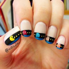 Adding some glitter nail art designs to your repertoire can glam up your style within a few hours. Check our fav Glitter Nail Art Designs and get inspired! Diy Nails, Cute Nails, Pretty Nails, Glitter Manicure, Crazy Nails, Funky Nails, Pac Man Nails, Art Beauté, Nagel Hacks