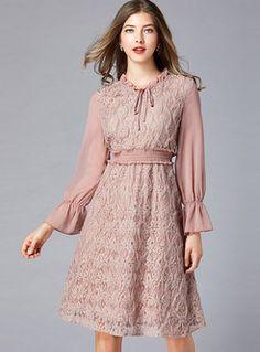 Retro Court O-neck Tied Elastic Waist Plus Size Dress - womendressmodels Casual Dresses, Short Dresses, Fashion Dresses, Ladies Dresses, Curvy Girl Fashion, Plus Size Fashion, Buy Dress, Dress Up, Lace Dress