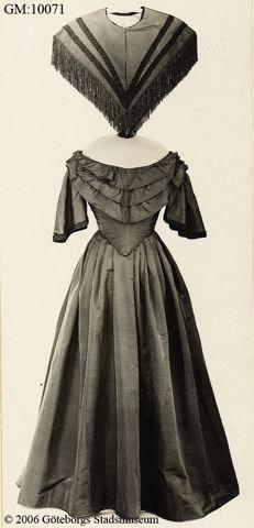 Convertible dress, 1860's? Fantastic idea for any theatre costume!!