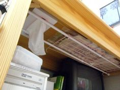 utilizing dead storage space with tension rods Storage Spaces, Kitchen Storage, Ideas Para Organizar, Compact Living, Home Management, Space Saving Furniture, Deco Furniture, Home Hacks, Getting Organized
