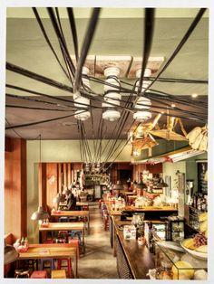 This restaurant looks too cool not to visit. District Mot, Rosenthaler Str. 62, Vietnamesisk mad