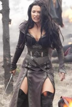 Legend of the Seeker - Mother Confessor/Warrior. Rahl should not have burnt those trees! Her just wrath is powerful!