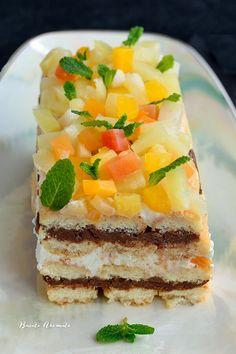 Prăjitură cu pişcoturi de şampanie şi fructe tropicale Romanian Desserts, Crack Chicken, Potato Recipes, Bacon, Sweet Treats, Cheesecake, Food And Drink, Ice Cream, Sweets
