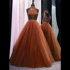 Elegant Prom Dresses with Halter Neckline Beaded Long Prom Dress with Beadings 2017 Tulle Puffy Evening Dresses
