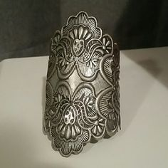 Elegant wrist cuff Super detailed silver wrist cuff. Make an elegant statement with this stunning cuff. Jewelry Bracelets