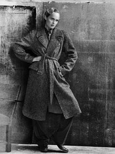 Amber Valletta wearing a #GiorgioArmani coat and pants