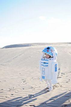 Star Wars Kostüm R2D2 - Link zur Anleitung auf Englisch im Blogpost