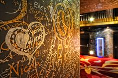 GAMS, Geniesser- und Kuschelhotel: Die größte Liebeserklärung der Welt ... Open Fireplace, Soft Light, Cuddling, World