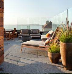 Pac Heights Penthouse - modern - patio - san francisco - by Matarozzi Pelsinger Builders Outdoor Rooms, Outdoor Living, Outdoor Furniture Sets, Outdoor Decor, Lounge Furniture, Furniture Design, Balcony Design, Deck Design, Rooftop Design