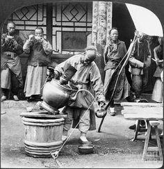 A tea seller on the street in Moukden, Manchuria, ca. 1906