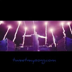 """Tremors"" in my #bones  #Botnek (feat. Go Comet) #electronic #Dance #music #Techno #House #Progressive #Electro #Electronica #Video #edit #internet #socialmedia #repost #song #artists #art #tumblr #tumblrboy #instagood #instadaily #instamood #promotion #color #dj #djs #canada #canadian #blogging"