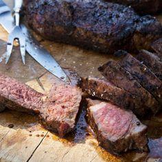 Barefoot Contessa - (Coffee-Garlic-Chipotle powder Grilled New York Strip Steaks) Ny Strip Steak, Ny Steak, How To Grill Steak, Grilled Steak Recipes, Grilling Recipes, Beef Recipes, Cooking Recipes, Grilled Meat, Best Grilled New York Strip Steak Recipe