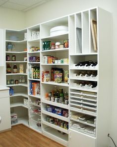 cool kitchen pantry design ideas modern house plans designs butler pantry laundry home design ideas renovations photos Kitchen Pantry Design, Kitchen Organization Pantry, New Kitchen, Kitchen Dining, Kitchen Decor, Kitchen Corner, Organization Ideas, Small Kitchen Pantry, Kitchen Pantries