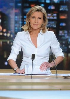 "The white blouse. Five ""Secrets"" of Stylish Women - Tish Jett 50 Fashion, Fashion Over 40, Fashion Beauty, Fashion Outfits, Womens Fashion, Fashion Capsule, Stylish Older Women, French Women Style, European Style"