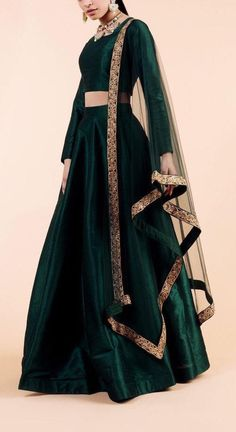 Excited to share this item from my etsy shop emerald green indian designer wedding engagement lehenga skirt indian bridesmaids outfit indian traditional lengha dress sangeet mehendi Indian Gowns Dresses, Indian Fashion Dresses, Dress Indian Style, Indian Designer Outfits, Designer Dresses, Pakistani Dresses, Shadi Dresses, Punjabi Fashion, Indian Fashion Designers