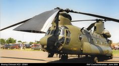 Boeing Chinook HC2 - ZD981 by graham.wood.14661