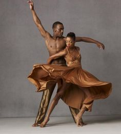 (Above): Kirven J. Boyd (left) dances with fellow Alvin Ailey American Dance Theater performer Yusha-Marie Sorzano. A lithe,. Alvin Ailey, Modern Dance, Contemporary Dance, Photography Winter, Dance Photography, Black Dancers, Ballet Dancers, Ballerinas, Bolshoi Ballet
